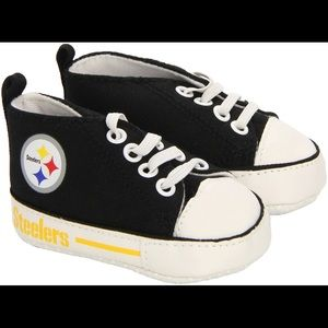 NWT Pittsburgh Steelers crib shoes 0-6 mth 2 pairs